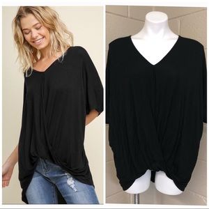 ‼️2 for $10‼️  Black Umgee twisted top